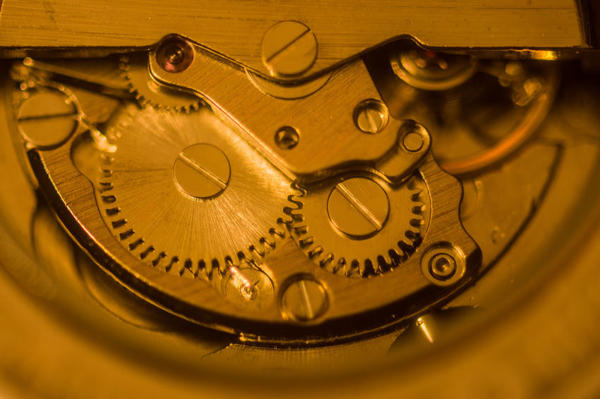 Nikon D7200 Clock Clock Hand Ziffernblatt Time Close-up Still Life StillLifePhotography Still Life Photography Stillleben Equipment Watch Machinery Instrument Of Time Clockworks Metal Gold Colored Technology Indoors  Complexity Hourglass 12 O'clock Hour Hand