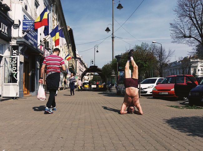 City yoga...This 62 years old guy promotes sports as a healthy lifestyle...but in his very own and peculiar way... Yoga Street City People Made In Romania Details Of My Life My Favorite Photo Attitude Sport Initiative Performing Arts Event VSCO Leisure Activity Arts Culture And Entertainment WeekOnEyeEm Building Exterior Posture City Life Urban Cultures Old Real People Street Life Yoga Pose Architecture EyeEm Diversity TCPM Break The Mold The Street Photographer - 2017 EyeEm Awards Live For The Story BYOPaper! Sommergefühle This Is Masculinity