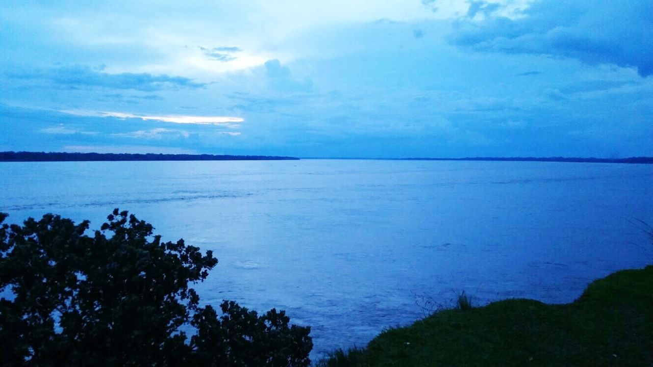 sea, scenics, beauty in nature, water, nature, tranquil scene, tranquility, sky, horizon over water, outdoors, no people, cloud - sky, day, blue