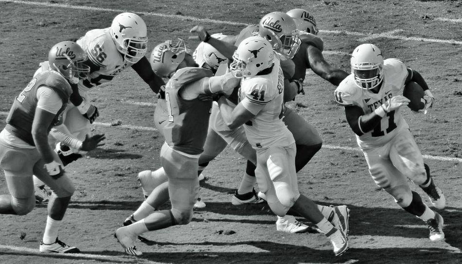 Football Helmet American Football Uniform Yard Line - Sport American Football Field Padding Tailgate Party Team Sport American Football - Sport American Football Player Tackling Sports Activity Batting American Football - Ball Sepia Toned Protective Sportswear