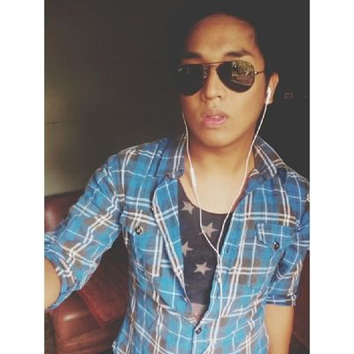 Off to School. Wash day! :) Asian  Asiangay Gay Sogay gayasian homo gayboy instahomo fag queer igersmanila igersph igers instagayboy instagramers instagood