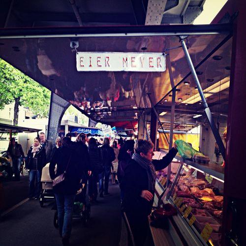 Eier Meyer! Perfekter Name für ein Eiergeschäft!