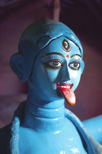 Clays idol of hindu goddess kali, at kalighat paptuapara, kolkata