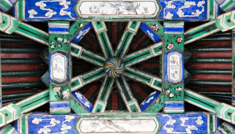 Ceiling Pagoda Ceiling Design Looking At The Ceiling Ceiling Art Ceiling Painting Ornate Ceiling Chinese Art Chinese Pagoda Chinese Pavillion Chinese Painting Blue Green Ladyphotographerofthemonth Traveling Look Up Looking Up Just Looking Up... Looking Up... Symetry Lookingup