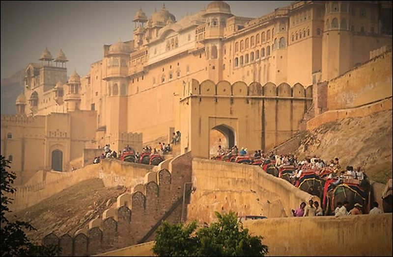 Amberfortjaipur Awesome_shots Sony α♡Love Awesome Architecture Building Exterior Travel Destinations History Built Structure Outdoors Kindomhearts Palace Of Fine Arts Nobody Like Them  Miles Away Rajasthani Culture Rajasthantourism Rajasthandiaries Nature The City Light Lieblingsteil Carnival Crowds And Details EyeEmNewHere