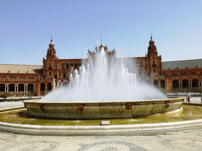 Spain, Andalucia Spain ✈️🇪🇸 Historical Historical Monuments Historical Building Andalusie Histoire Espagne Seville España Andalucía Sevilla La Plaza De Espana Fontaine