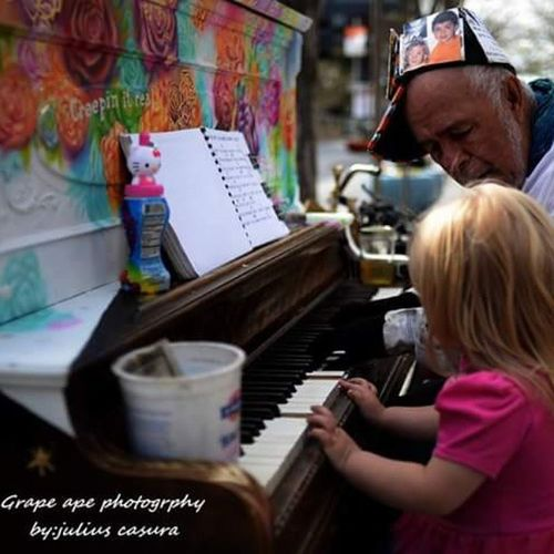 My Daughter Sophia Playing the Piano with a Homeless man in Denver Colorado ....Denverco Homelessman Beautiful Citylife 16thstreetmall Peace Peaceful Playingpiano  Kid Wonderful Heart Bigheart