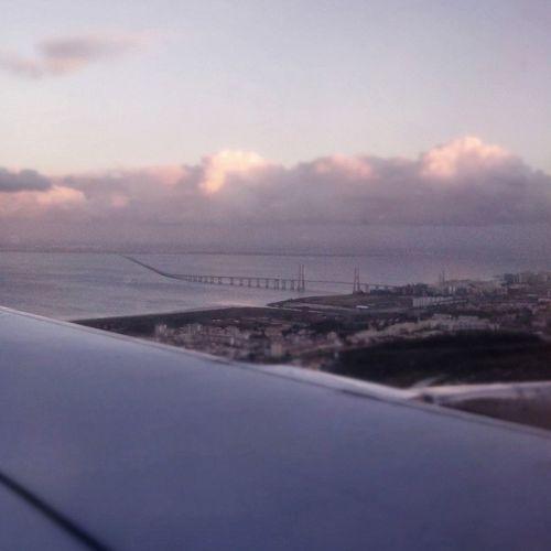 Pontevascodagama Flying Home From The Plane Window Lisboa Portugal Taking Photos