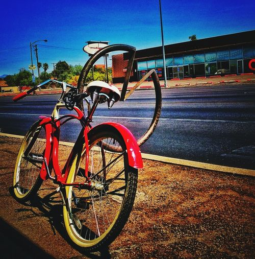 Deserted streets and vintage bikes Bicycle Transportation Stationary Tucson Arizona  Art Is Everywhere Arizona EyeEmNewHere EyeEm Selects Amatuer Photographer EyeEm Vision Eyemphotography Sommergefühle Tranquil Scene Backgrounds Deserted Street Deserted Road No People Outdoors Sky Let's Go. Together. Vintage Photography Vintage Bike No Cars  Empty Road Breathing Space Investing In Quality Of Life