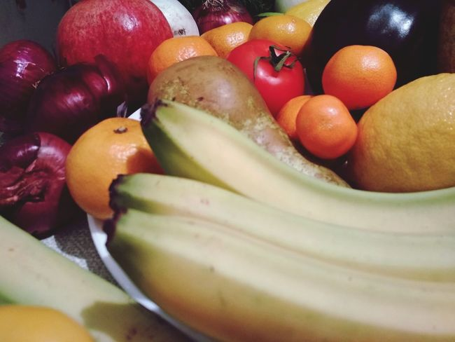 Fruits and vegetables composition Vegan Vegan Food Colors Foodpics Bananas Green Tangerine Tomatos Lemons Pomegranate Eggplant Plate Violet Color Yellow Red Colors Vegetarian Mood EyeEm Selects Fruit Food And Drink Healthy Eating Food Indoors  Freshness Tomato No People Healthy Lifestyle Day Close-up