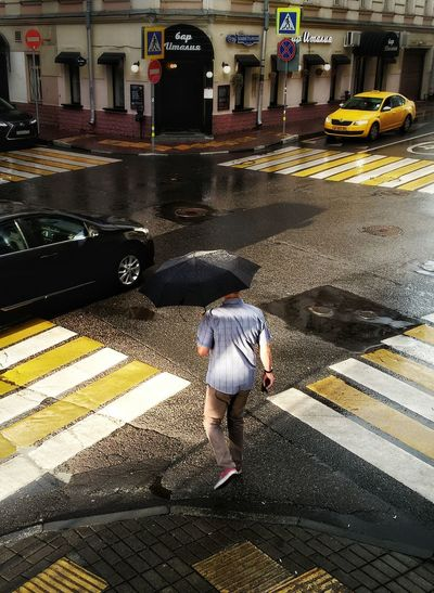 The Street Photographer - 2017 EyeEm Awards Street City Street City Life Streetphotography Streetphoto_color Rainy Day