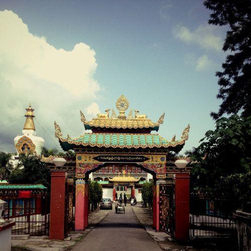 Budha Temple Dehradun India Travelbloggers Travel Photooftheday Amezing Colorfull All Buldings Enjoy FamilyTime FamilyTime TheDude NewYear