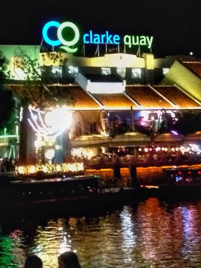 night life Clarkequay IPhoneography Iphonephotography Iphonephotographyschool Snapseed Pjybuddy