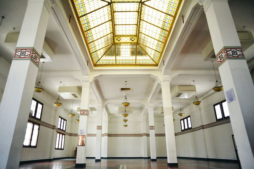De Javasche Bank. October, 2017. Architecture Indoors  Ceiling History Travel Destinations Built Structure No People Day Politics And Government Old Buildings Old Building  Old Architecture Surabaya INDONESIA