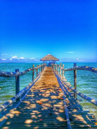 Lets walk there! 😍😍💓💓 Relaxing Hello World Instagood Enjoying Life Traveling Water Ocean Fun Love Sun ☀