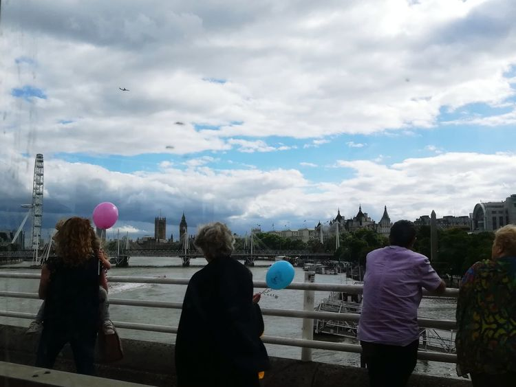 Cloud - Sky Lifestyles People Outdoors Cityscape City EyeEm LOST IN London Travel Destinations Cityscape