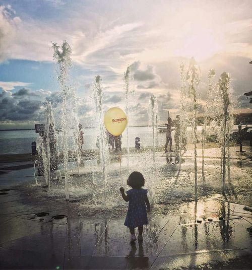 MyNiece💙 Kid Children Photography Children_collection Sunset Balloon Enjoying Life Original Experiences Exploring Hello World On The Way Colorsky Photography Feel The Journey Summer my sweet niece exploring this amazing world. Here how must look our inner child