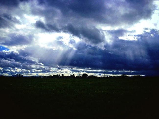 Finestre nel cielo Lightning Thunderstorm Storm Cloud Power In Nature Astronomy Storm Rural Scene Dramatic Sky Sky Landscape