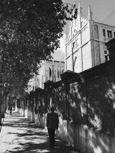 Architecture Built Structure Building Exterior Tree Real People Full Length The Way Forward Rear View Walking Day Outdoors One Person City Lifestyles Men Nature Sky People Adult Blackandwhite Black And White Black & White Madrid SPAIN