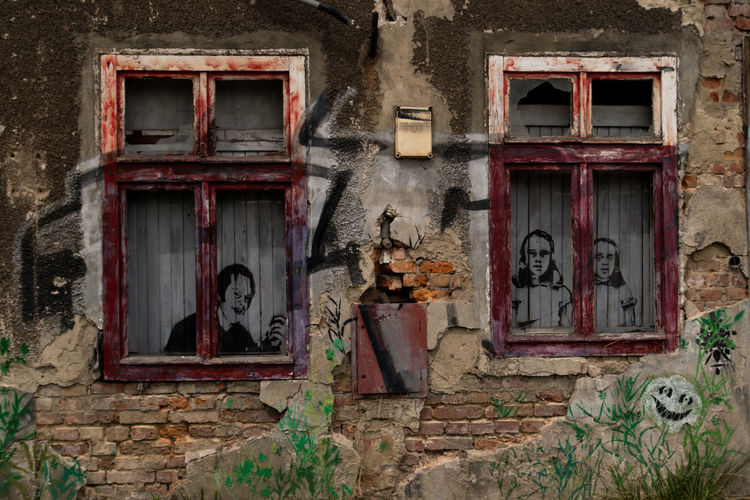 Poland Architecture Built Structure Damaged Gdansk Graffiti Old Old Buildings Windows