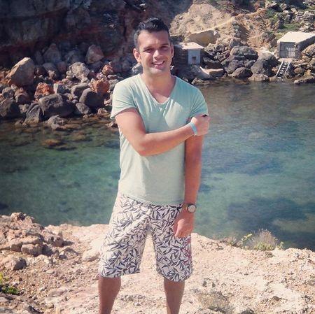 Quiero volver... Ibiza Verano Cala Sol Vacaciones Holiday Morenaso Follow Siguemeytesigo Like4like Me Megusta Tagsforlikes Sexyman Handsome Dm