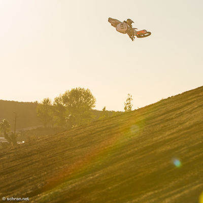 It´s #whipitwednesday right? Here is my contribution for it. #ktm #rider @sleetdawg throwing one over a pretty big and technical jump at #fitzland in #temecula during the @oneindustries catalog shooting last fall. #motosoul Fitzarm Fitzland Moto Moto X Motorcycles One Industries Super Whip