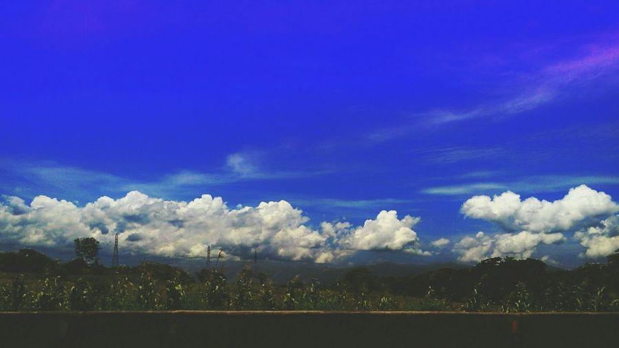 Blue Sky Skyporn Today's Hot Look Hello World Freeway Thatblue Cloud And Sky Randomshot