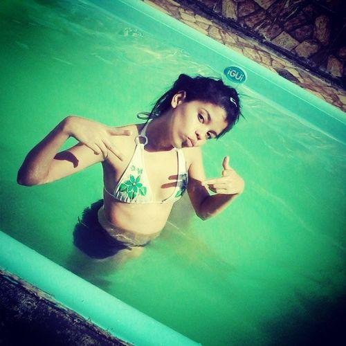 Ops piscina so pra mim na casa do vô Quedl ç u.u