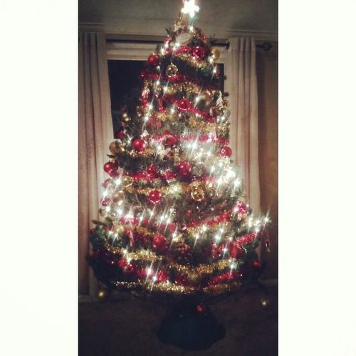 Our Christmas Tree this year ???? Redandyellow Pretty Pretty♡ Ohchristmastree Beautiful Christmastime Christmas Lights