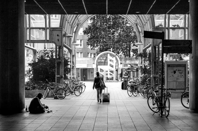 Duesseldorf, Germany Bahnhof Black And White Blackandwhite City Life Duesseldorf Düsseldorf Railwaystation Schwarzweiß Street