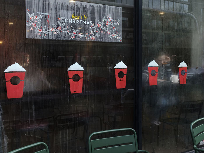 Coffee shop with christmas decoration Christmas Coffee Condensation Reflection Street Street Photography Streetphotography Window Winter
