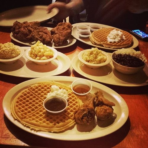 Last taste of America before i fly out! Roscoes Hopeiwontmissmyflight Chickenandwaffles