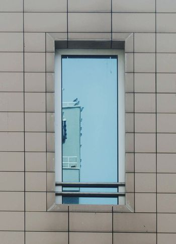 Minimalist Architecture Architecture Modern Business Finance And Industry No People Day Blue Outdoors Refraction