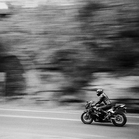 Motorbike Pan Panning Olympusxa film filmphotography filmneverdies 35mm