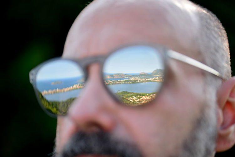 EyeEm Best Shots Eye4photography  Getting Inspired ExploringBrazil Nature Beard Bearded Reflection Sunglasses Sunglasses Reflection One Person Selective Focus Close-up Day Real People Men Adult Lifestyles Outdoors Glasses Human Face Personal Accessory Springtime Decadence The Portraitist - 2019 EyeEm Awards
