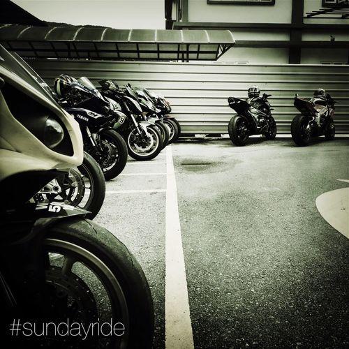 Sundayride Superbikes Yamaha R1 Z750  At Genting Highlands Blackandwhite Aprilia RSV4