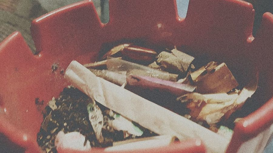EyeEm Selects ashtray Addiction Dissolution Dirty Nasty Cleaning To Do FUZZ Too Close? Grainy Ashtray  Unappealing