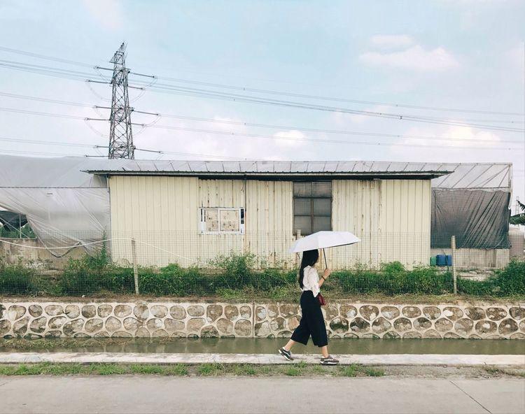 Documentaryphotography Iphonephotography People Iphoneonly Guangzhou Iphone7 Documentary Photography Sky Outdoors BEIJING北京CHINA中国BEAUTY (null)广州 中国 Documentary IPhoneography Mobilephotography China Photographylovers Road Girl Photography Street Streetphotography
