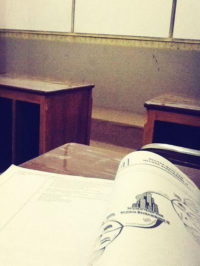 Studying Geografi