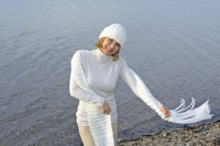 Blonde middle-aged woman on an autumn walk at the lake, portrait Autumn Walk Adult Casual Clothing Cheerful Day Happiness Lake Lakeside Leisure Leisure Activity Lifestyles Middle Aged Nature One Person Only Women Outdoors People Portrait Smiling Warm Clothing Water Women Young Adult Young Women