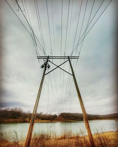 Atchison community lake 7.......power lines overhead .....Ks_pride Atchison Atchisonks Kansasphotographer Kansasphotos Powerlines Electricity  Lineman Lines Waterscape Wow_america_landscape Worldwide World_bnw
