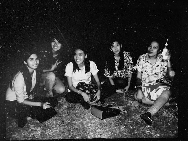 😊 Blackandwhitephotography Black And White Photography Black And White Collection  Friendship. ♡   Bffs😄