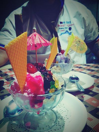 Waiting For Dessert College Chillouts Ice Cream Time