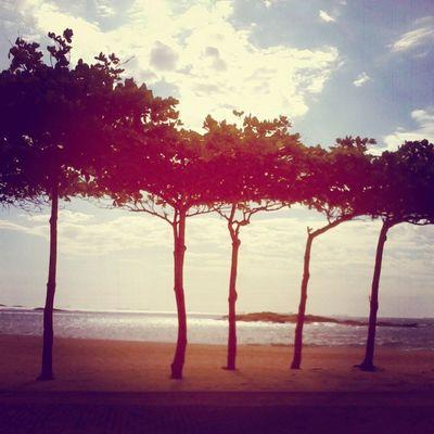 Na beira da praia, de frente pro mar.. (8 Praiadacosta Vilavellha Solzao Verão2013 curti abessa instagood