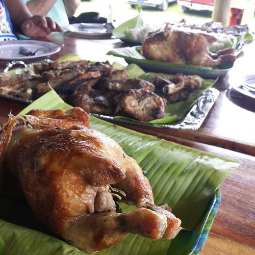 Best way to eat at the farm, Kamayan! ??