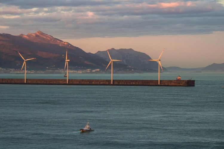 Environmental Conservation Fuel And Power Generation Wind Power Sea Wind Turbine Business Finance And Industry Alternative Energy
