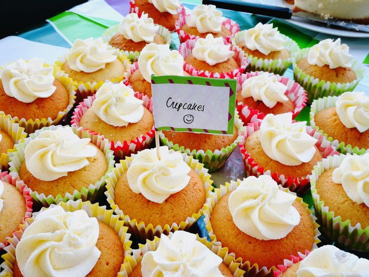 Home Baking Macmillan Coffee Morning Cupcakes♡ Indulge Yummy♡ Frosting Paint The Town Yellow I Love Baking Food Stories
