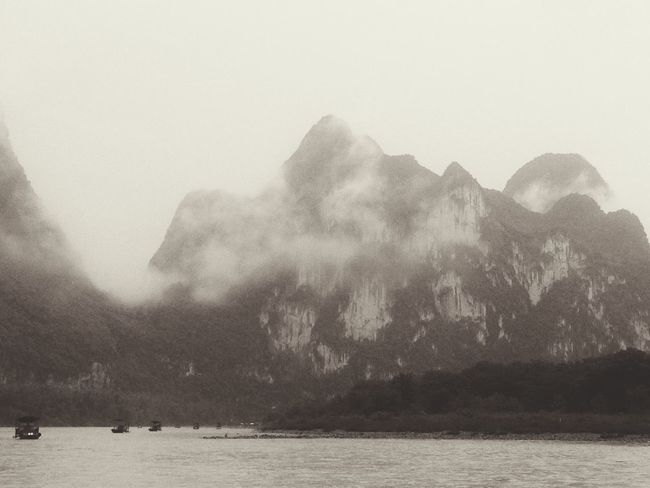 雲里雾里的漓江~