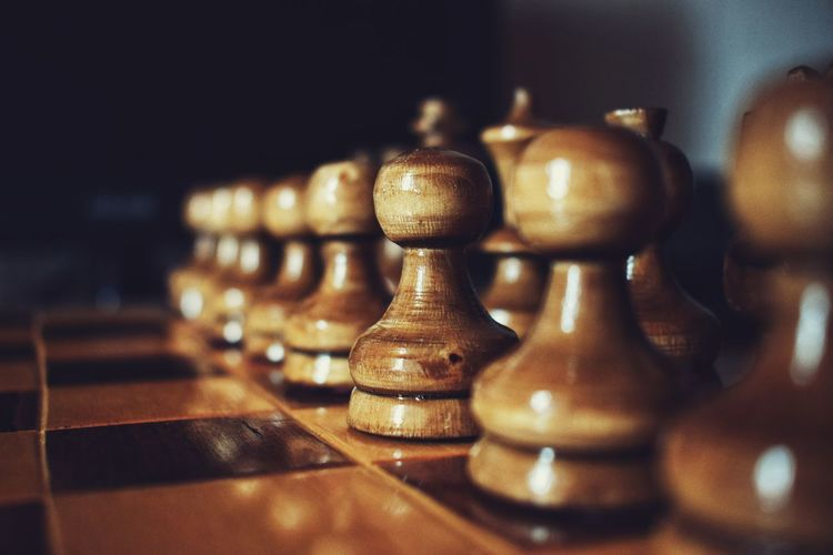 Strategy Chess Close-up Indoors  Chess Board No People Chess Piece Queen - Chess Piece King - Chess Piece Pawn - Chess Piece Knight - Chess Piece Creativity Art And Craft Game Nice Photo Brown Wood - Material Wood Chest EyeEmNewHere