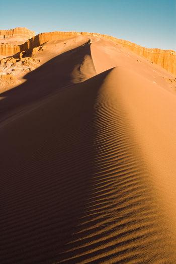 Sand dune at valle de la luna, san pedro de atacama, atacama desert, antofagasta region, chile.